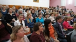 Конкурс всегда вызывает большой интерес - зрительный зал гимназии №2 переполнен