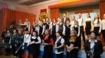 Педагоги и дети гимназии №2 встречают участников конкурса и зрителей