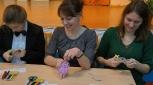А вот и первые забавные пальчиковые куклы из бумаги